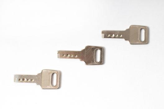 オートロックマンションの鍵交換費用|【紛失・故障】負担請求は誰?