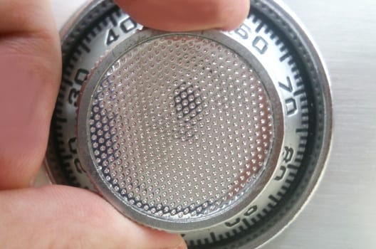 金庫のダイヤル錠を開ける方法